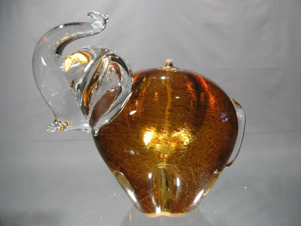 verre murano lampe l phant ambre murano. Black Bedroom Furniture Sets. Home Design Ideas