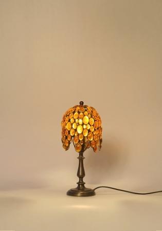 lampe en ambre et bronze lampe de sejour lampe d 39 ambiance galerie d 39 art. Black Bedroom Furniture Sets. Home Design Ideas