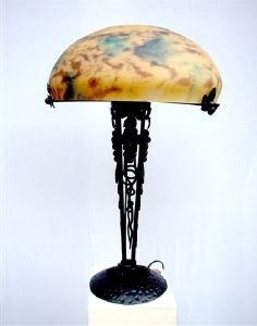 lampe art deco lampe fer forge lampe pate de verre. Black Bedroom Furniture Sets. Home Design Ideas