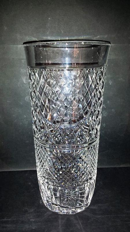 vase cylindrique cristal grand vase tube vase cristal anglais. Black Bedroom Furniture Sets. Home Design Ideas