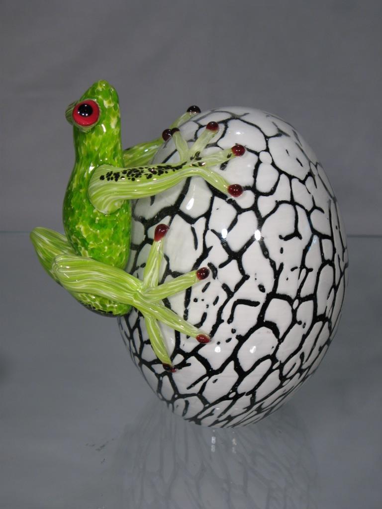 grenouille murano grenouille sur oeuf en cristal granouille en cristal. Black Bedroom Furniture Sets. Home Design Ideas