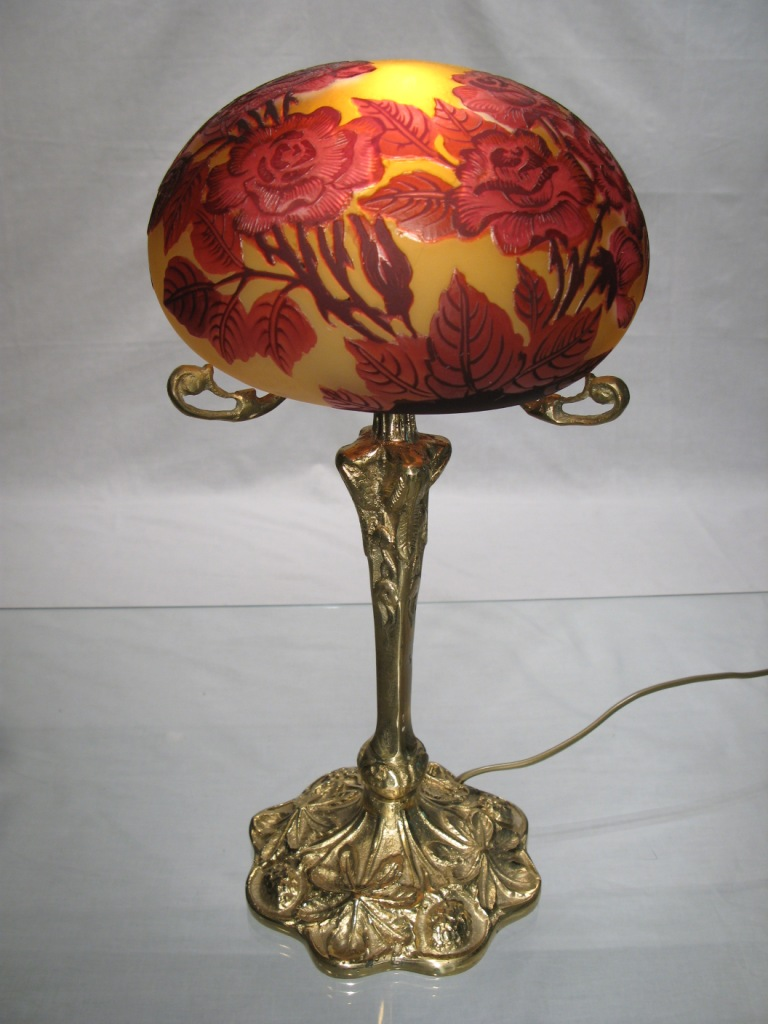 Lampe tip gall en p te de verre for Lampe de chevet en cristal