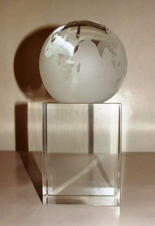 troph e globe terrestre cristal art deco troph e. Black Bedroom Furniture Sets. Home Design Ideas